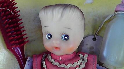 ミルク飲み人形1